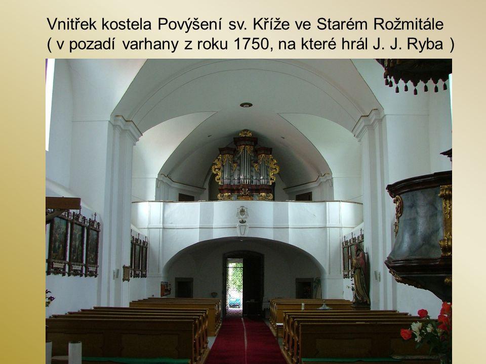 Vnitřek kostela Povýšení sv. Kříže ve Starém Rožmitále