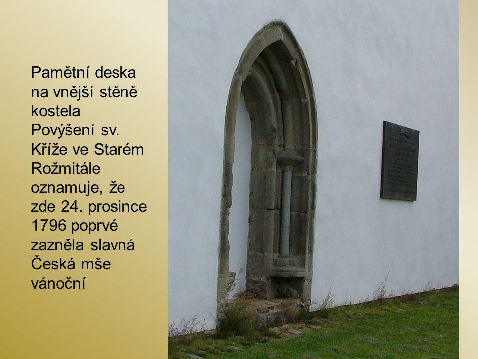 Pamětní deska na vnější stěně kostela