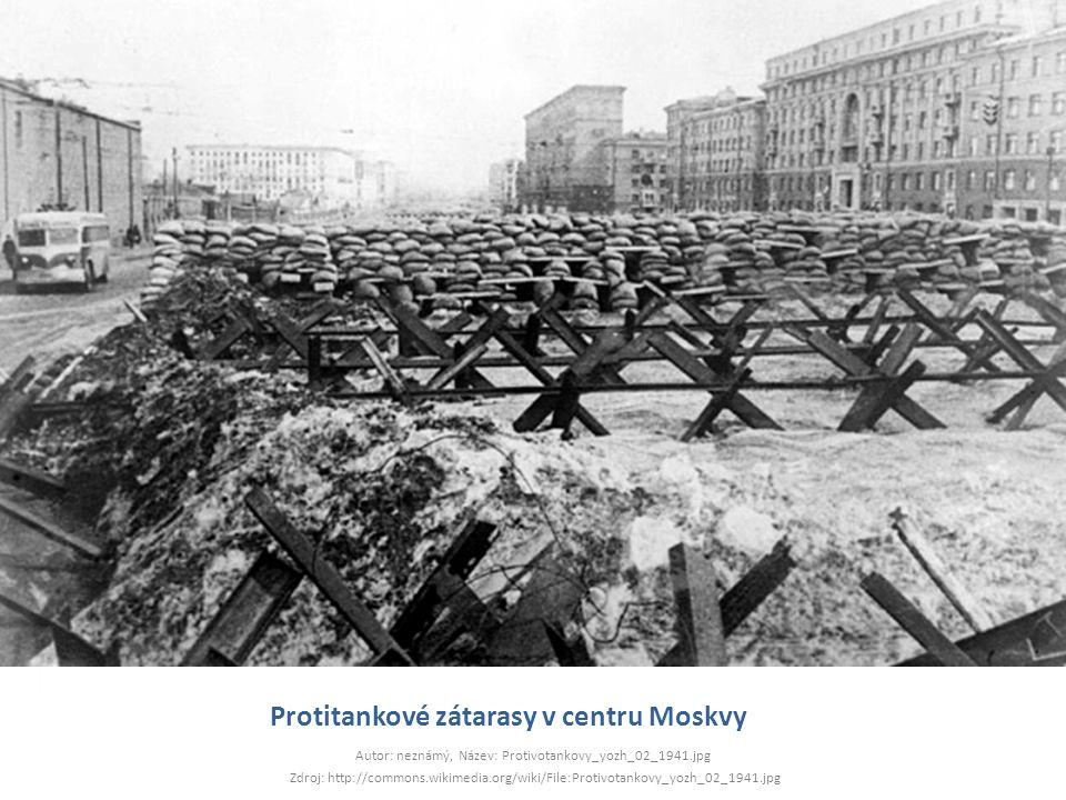 Protitankové zátarasy v centru Moskvy
