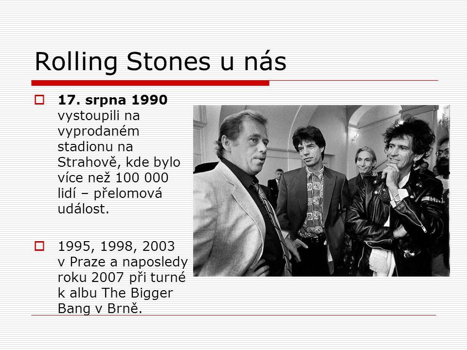 Rolling Stones u nás 17. srpna 1990 vystoupili na vyprodaném stadionu na Strahově, kde bylo více než 100 000 lidí – přelomová událost.