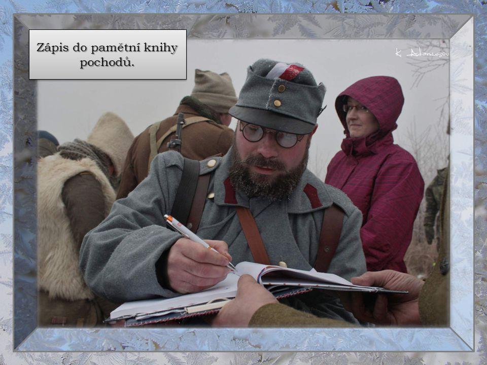 Zápis do pamětní knihy pochodů.