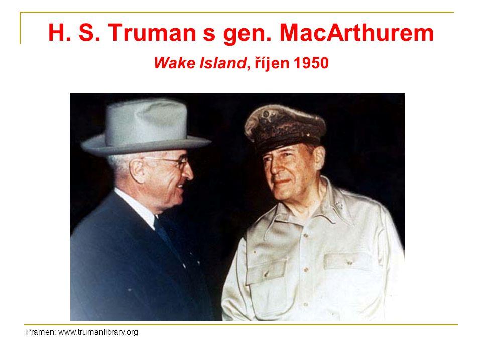 H. S. Truman s gen. MacArthurem Wake Island, říjen 1950