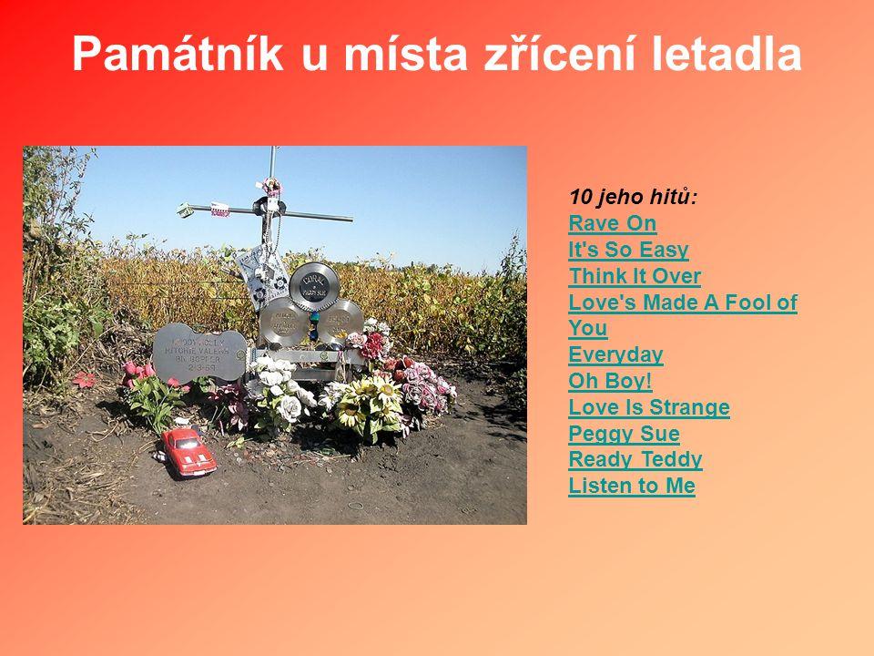 Památník u místa zřícení letadla