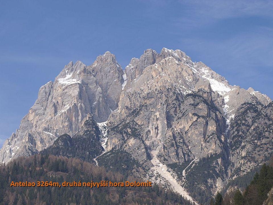 Antelao 3264m, druhá nejvyšší hora Dolomit
