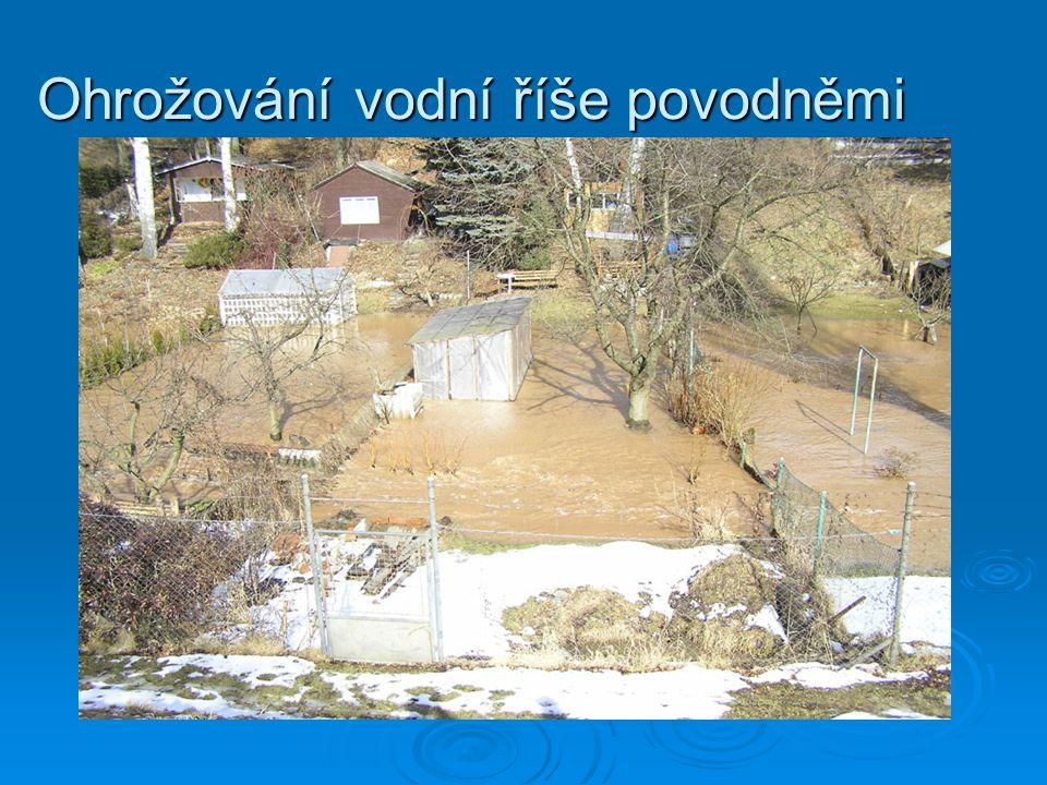Ohrožování vodní říše povodněmi