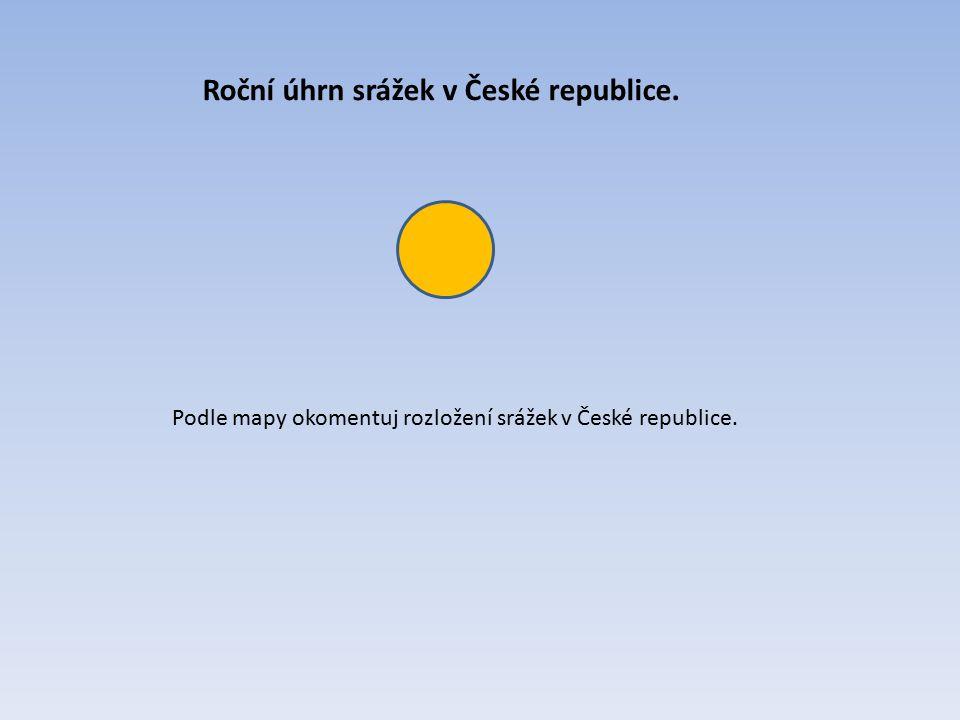 Roční úhrn srážek v České republice.