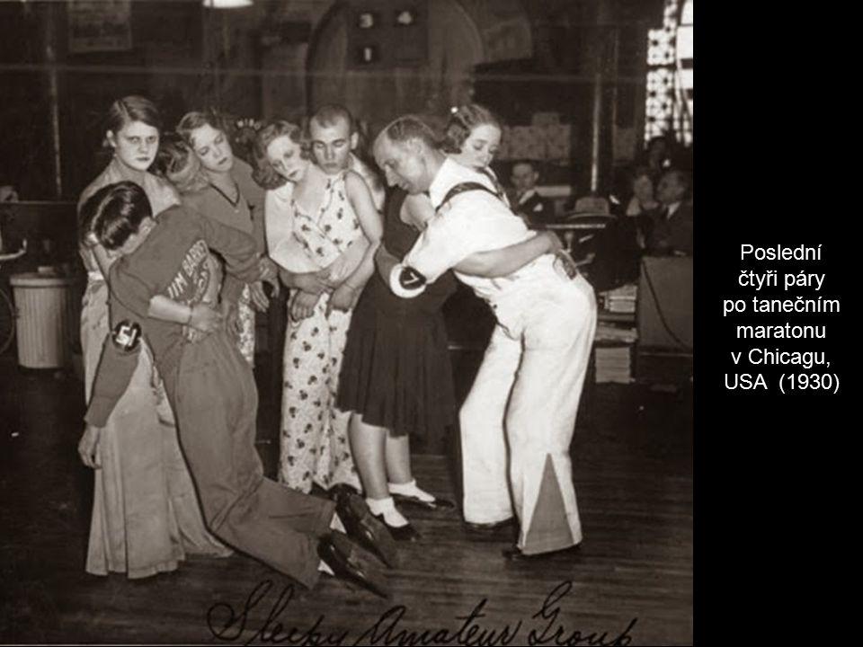 Poslední čtyři páry po tanečním maratonu v Chicagu, USA (1930)