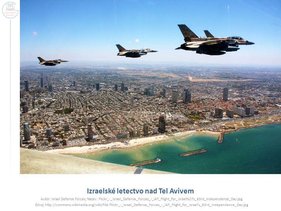 Izraelské letectvo nad Tel Avivem