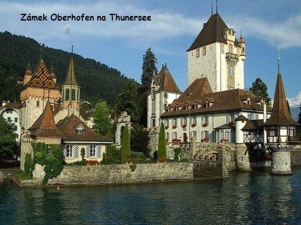 Zámek Oberhofen na Thunersee