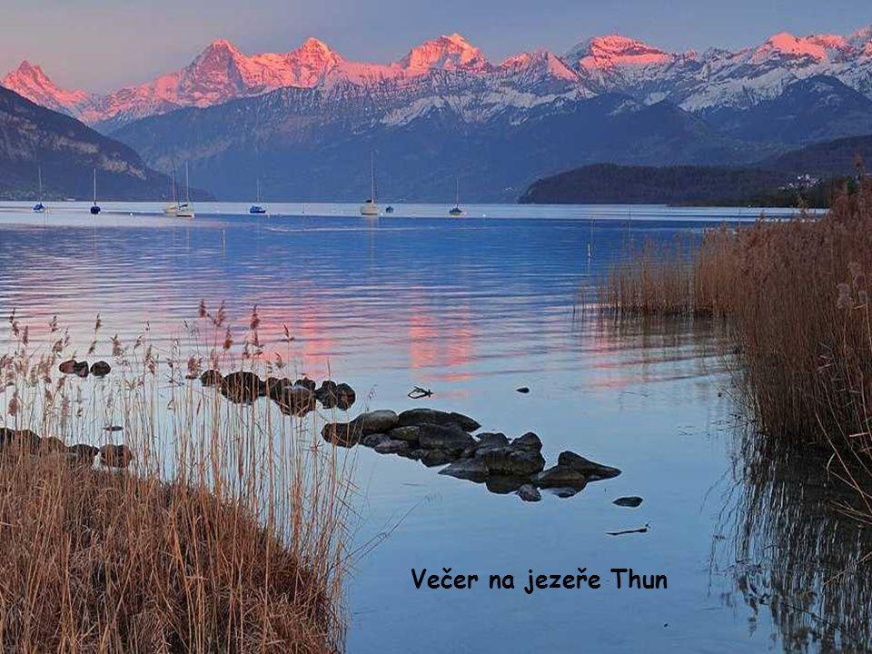 Večer na jezeře Thun