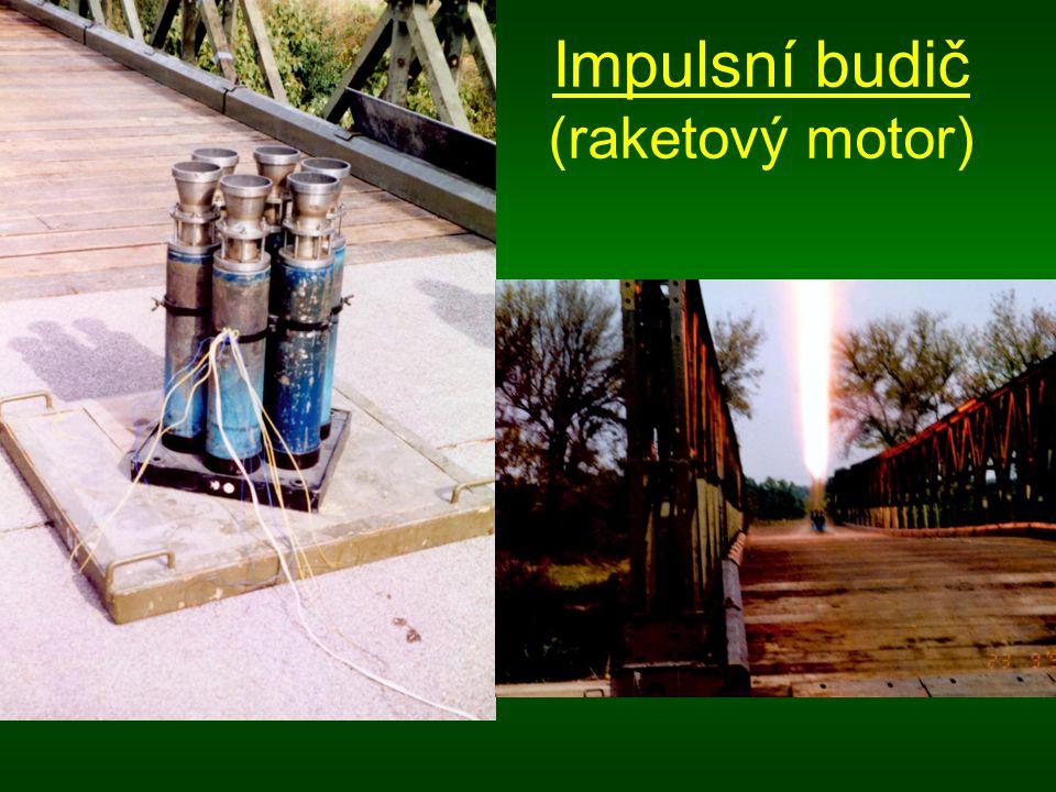 Impulsní budič (raketový motor)