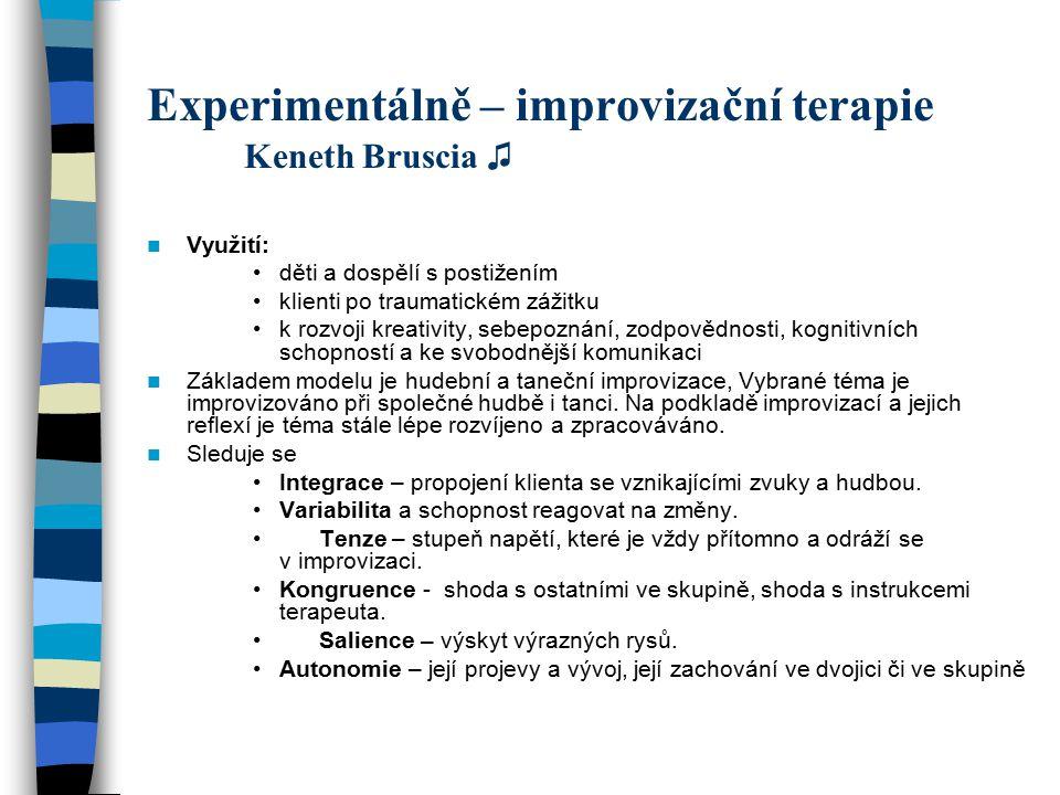 Experimentálně – improvizační terapie Keneth Bruscia ♫