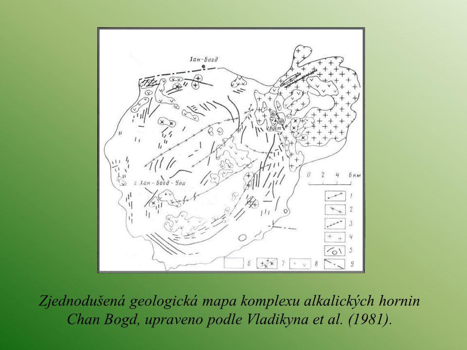 Zjednodušená geologická mapa komplexu alkalických hornin Chan Bogd, upraveno podle Vladikyna et al.