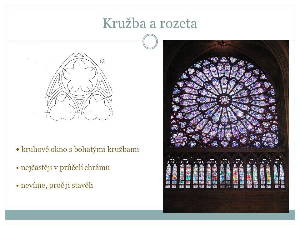 Kružba a rozeta kruhové okno s bohatými kružbami