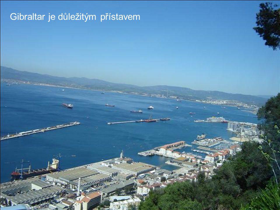 Gibraltar je důležitým přístavem