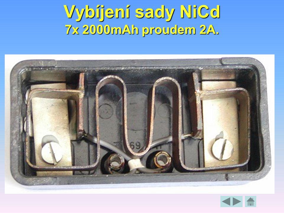 Vybíjení sady NiCd 7x 2000mAh proudem 2A.