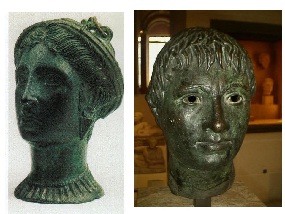 Bronzové sochy; nálezy z Tarquinií