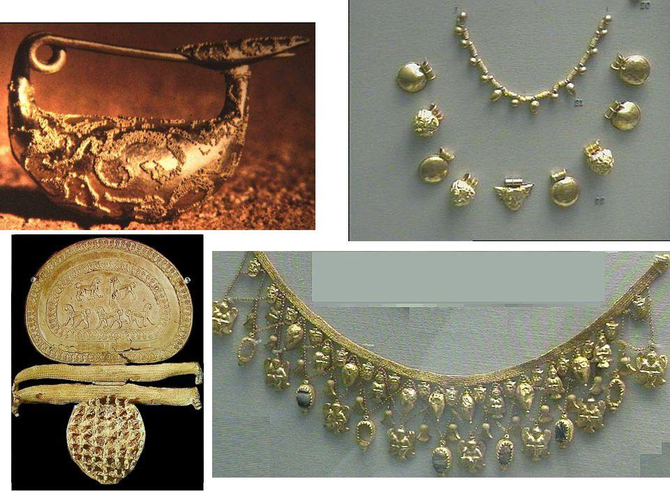 Etruský šperk: spona, fibula ( ); náhrdelníky