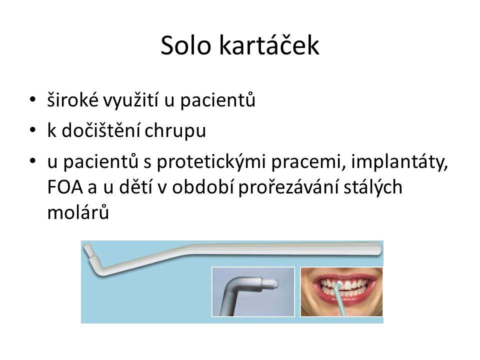 Solo kartáček široké využití u pacientů k dočištění chrupu