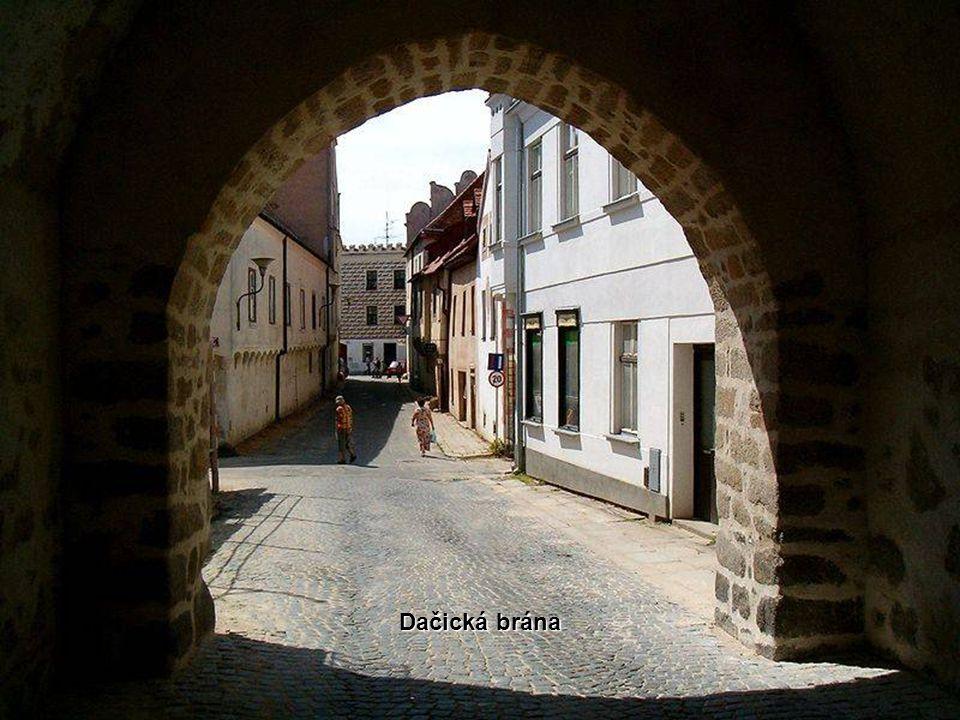 Dačická brána