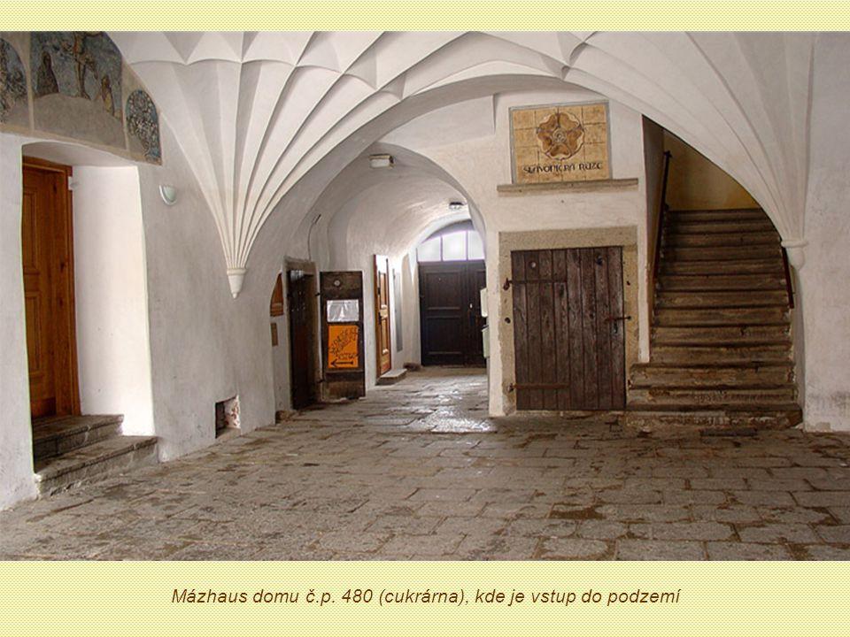 Mázhaus domu č.p. 480 (cukrárna), kde je vstup do podzemí