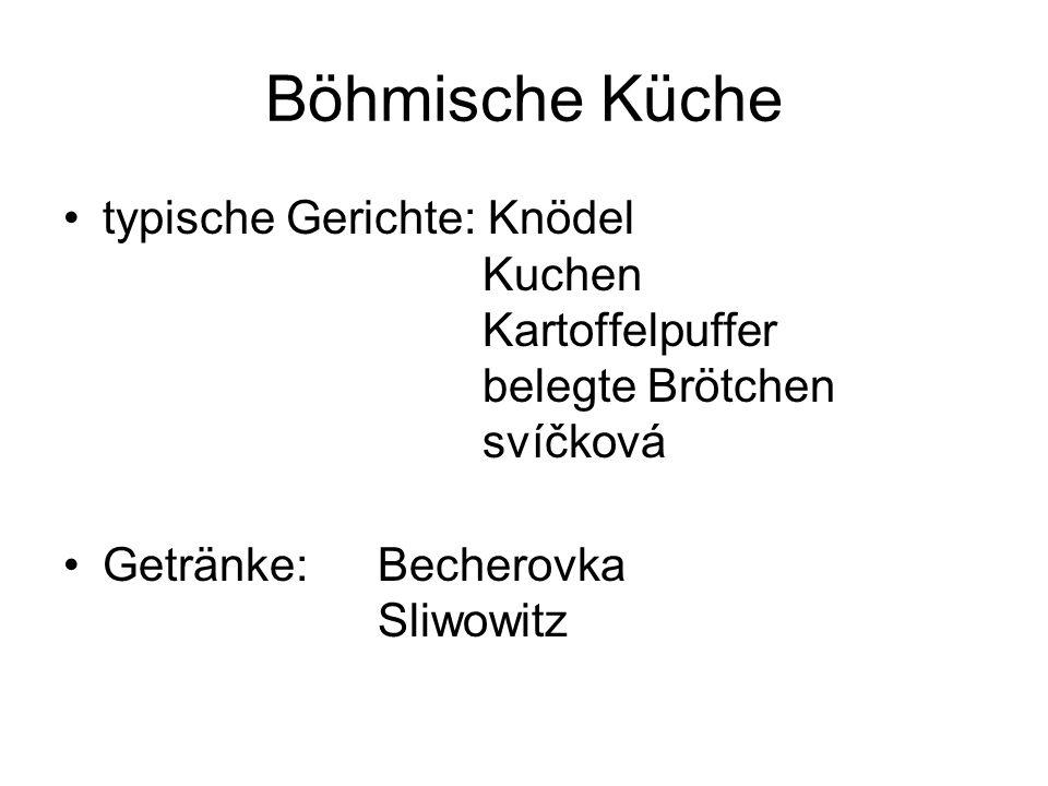 Böhmische Küche typische Gerichte: Knödel Kuchen Kartoffelpuffer belegte Brötchen svíčková.