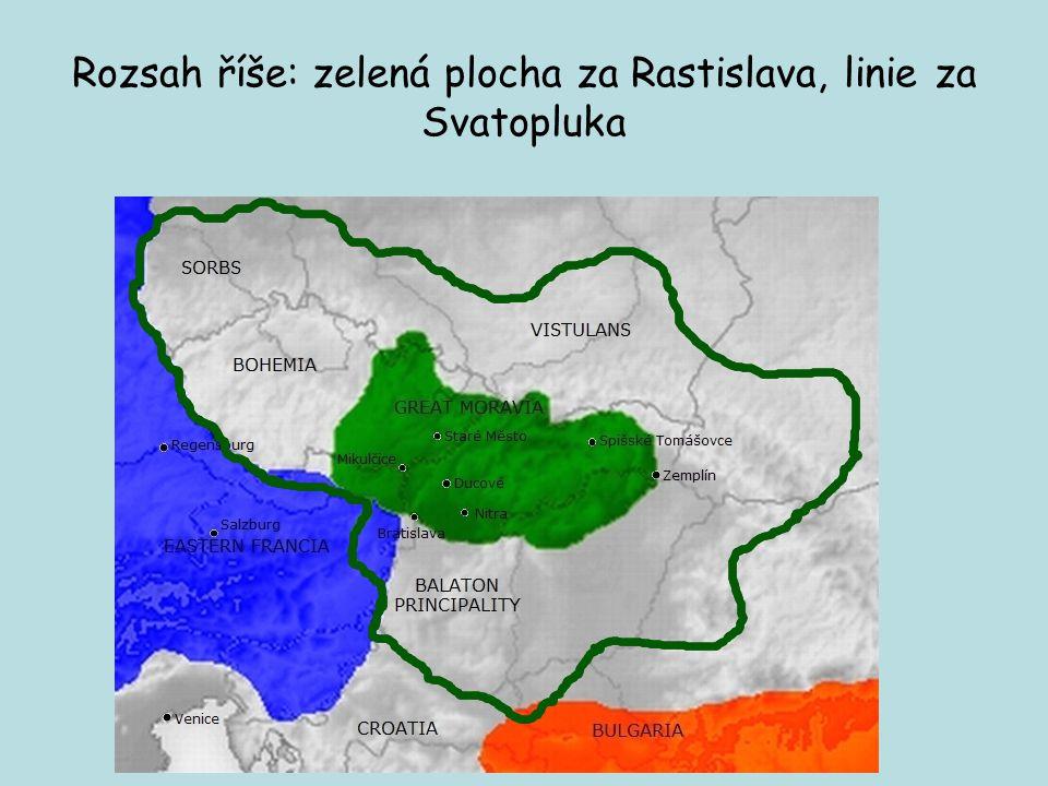 Rozsah říše: zelená plocha za Rastislava, linie za Svatopluka