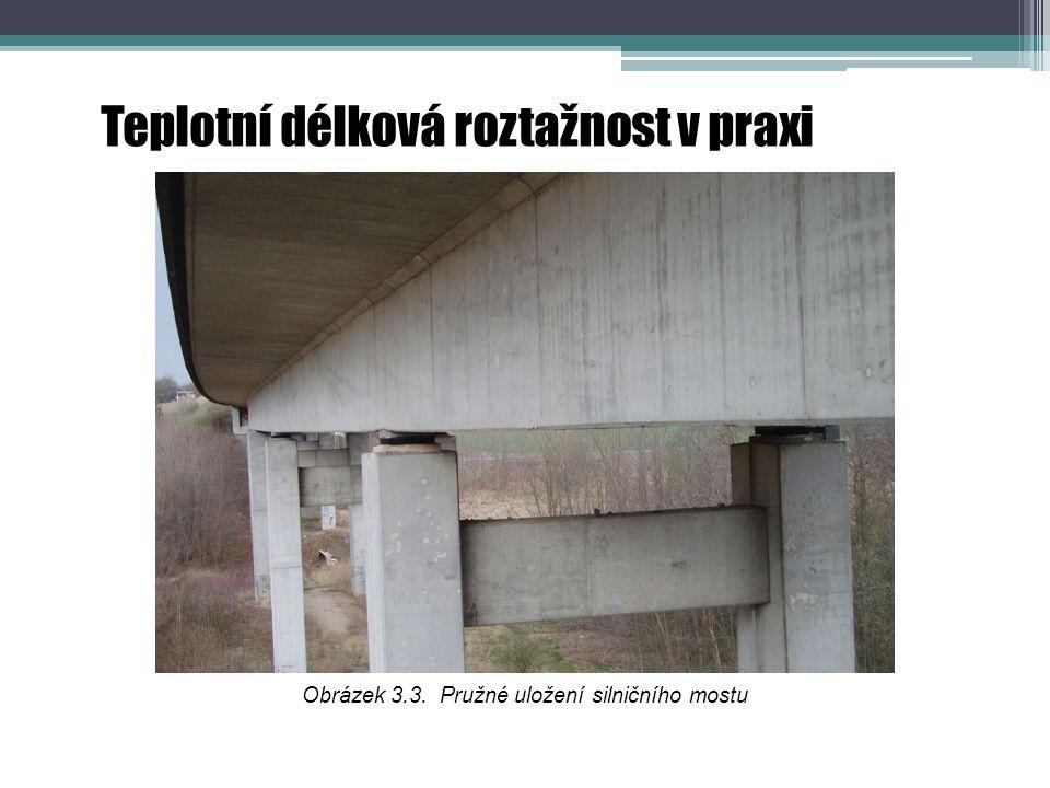 Obrázek 3.3. Pružné uložení silničního mostu