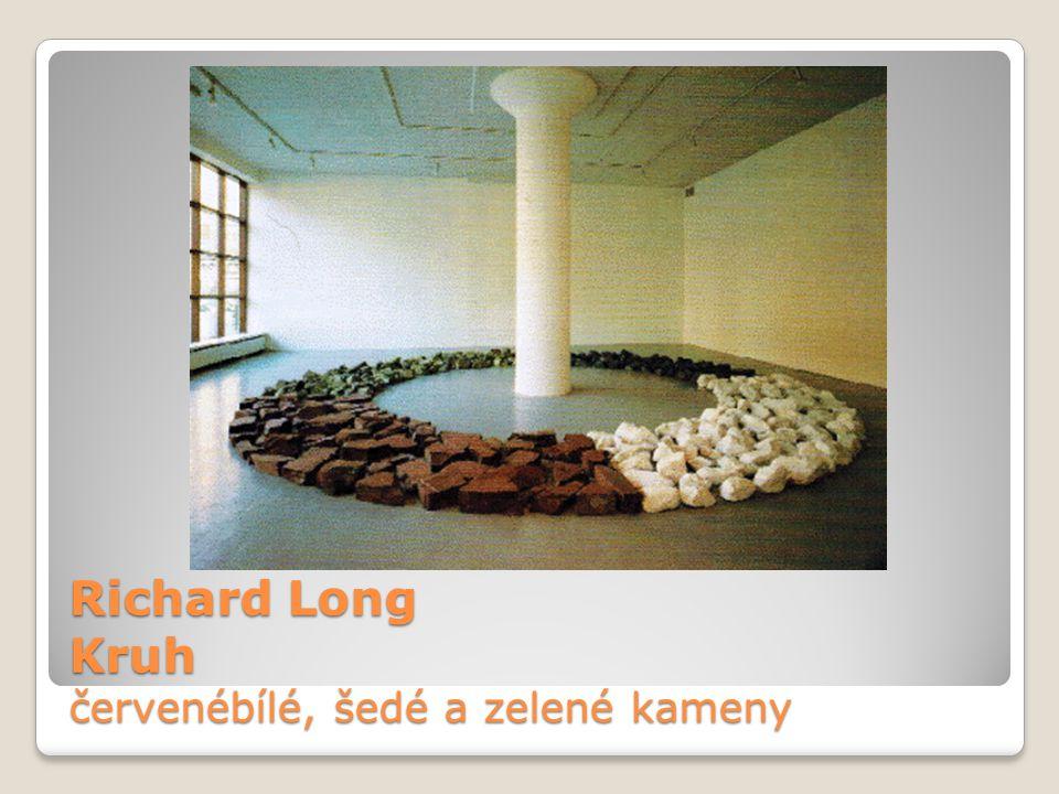 Richard Long Kruh červenébílé, šedé a zelené kameny