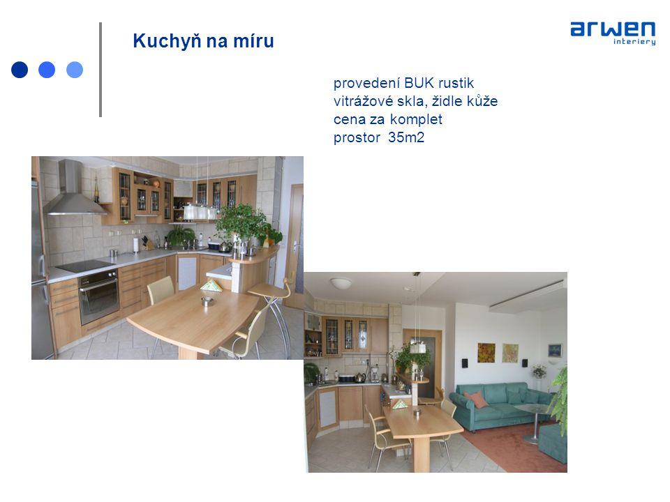 Kuchyň na míru. provedení BUK rustik. vitrážové skla, židle kůže