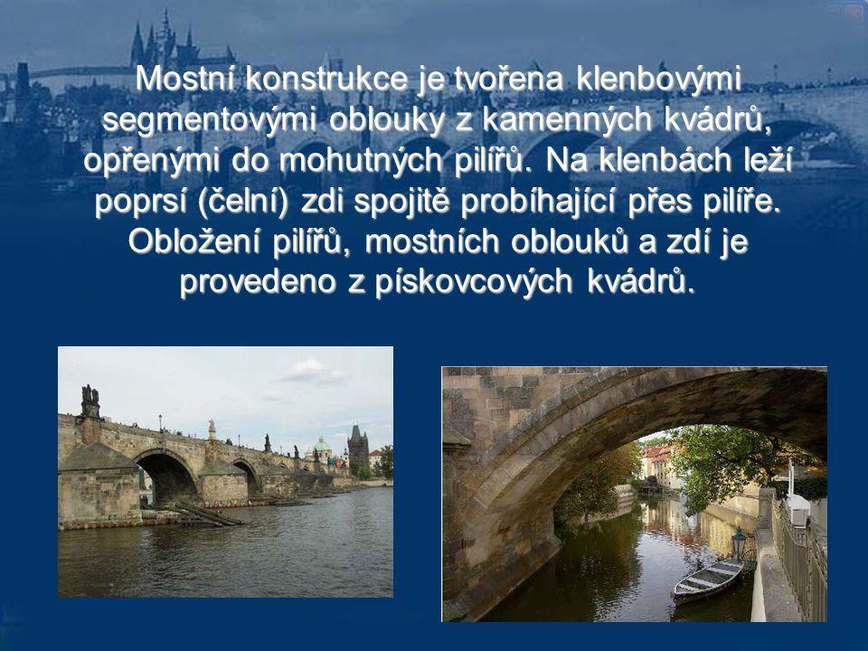Mostní konstrukce je tvořena klenbovými segmentovými oblouky z kamenných kvádrů, opřenými do mohutných pilířů.