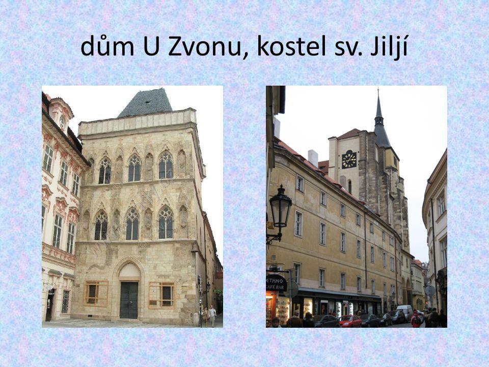 dům U Zvonu, kostel sv. Jiljí
