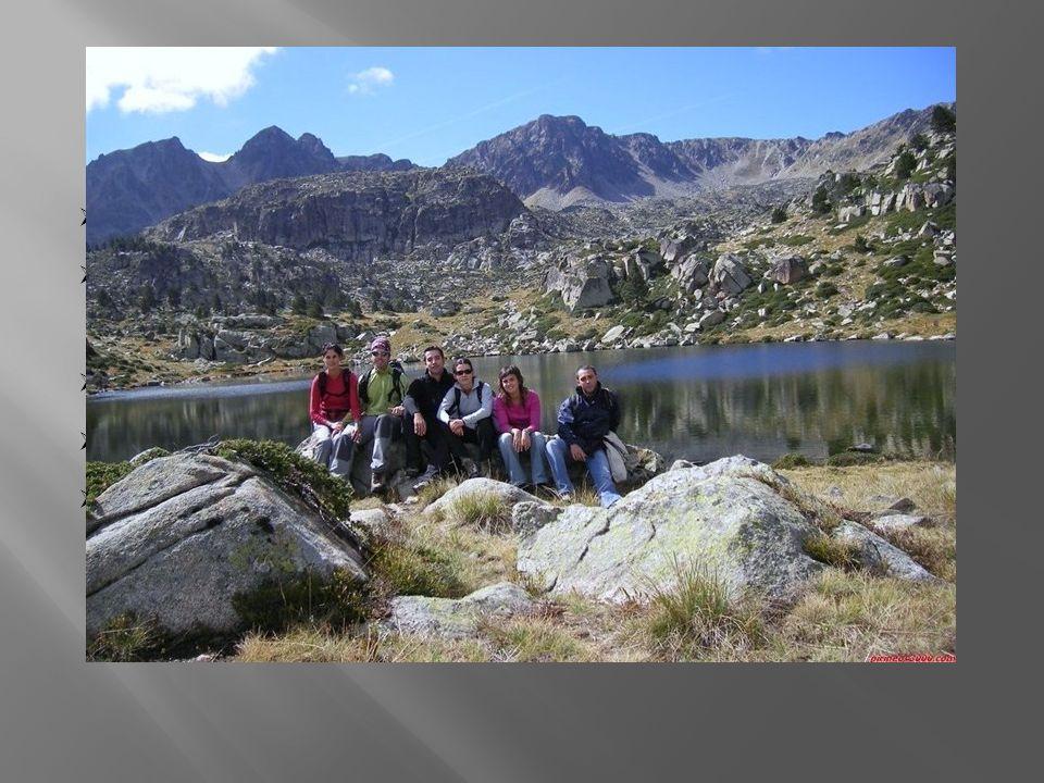 Přírodní podmínky leží v kotlině obklopena Pyrenejemi