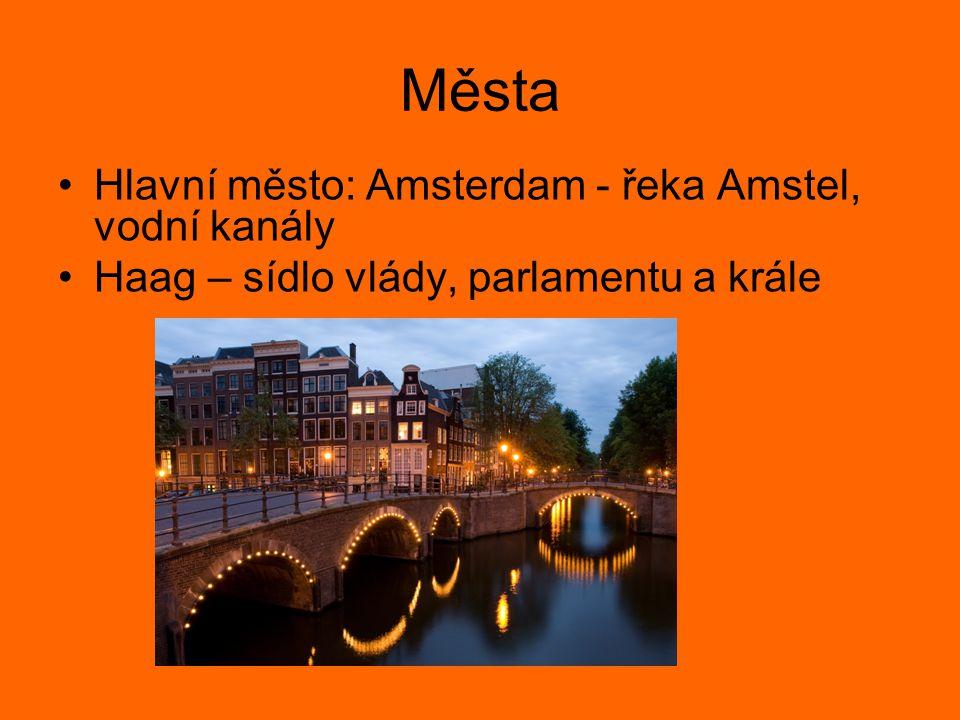 Města Hlavní město: Amsterdam - řeka Amstel, vodní kanály