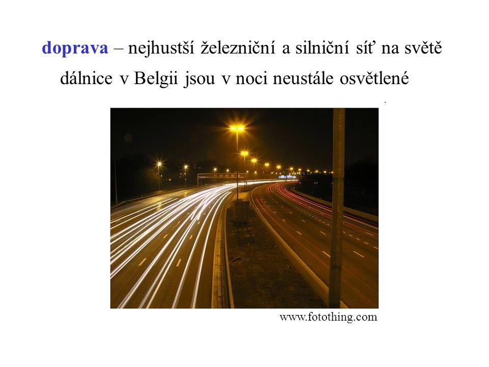 dálnice v Belgii jsou v noci neustále osvětlené