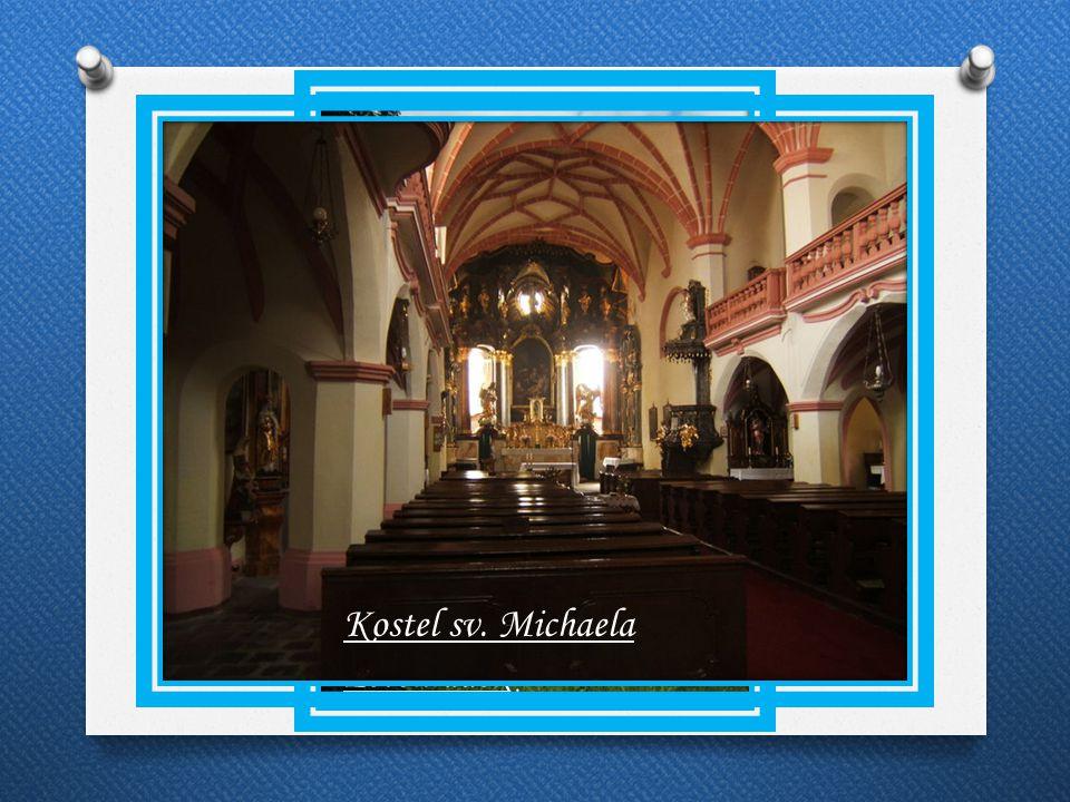 Památky Kostel sv. Michaela Letohrádek
