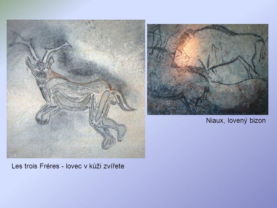 Niaux, lovený bizon Les trois Fréres - lovec v kůži zvířete