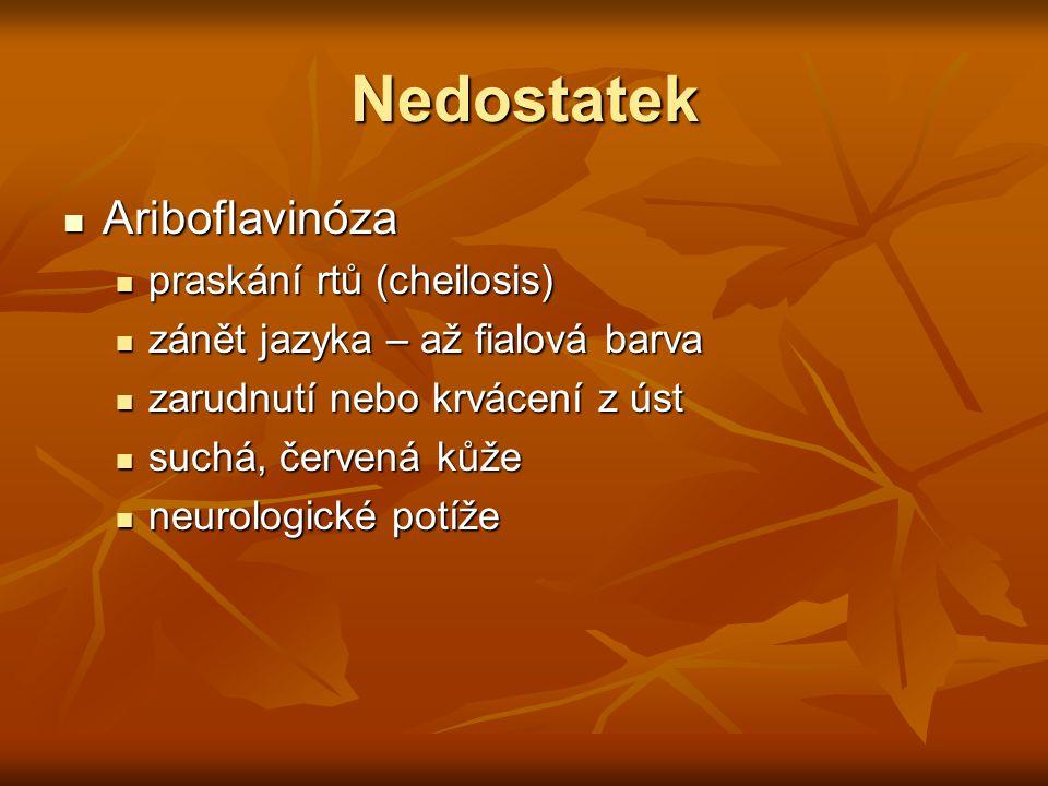 Nedostatek Ariboflavinóza praskání rtů (cheilosis)