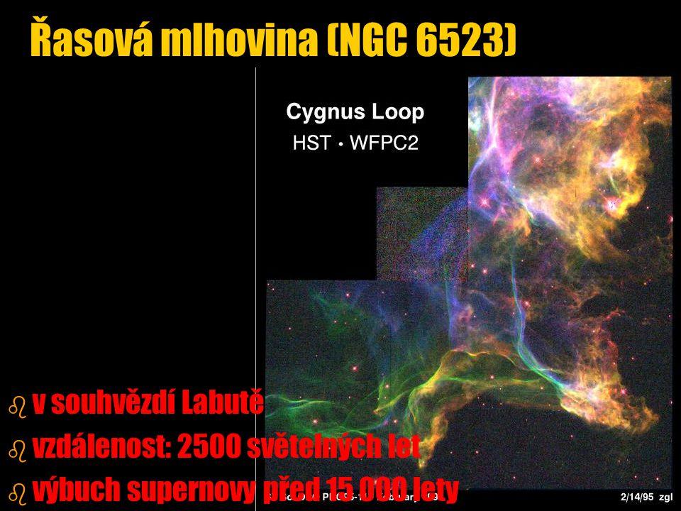 Řasová mlhovina (NGC 6523) v souhvězdí Labutě