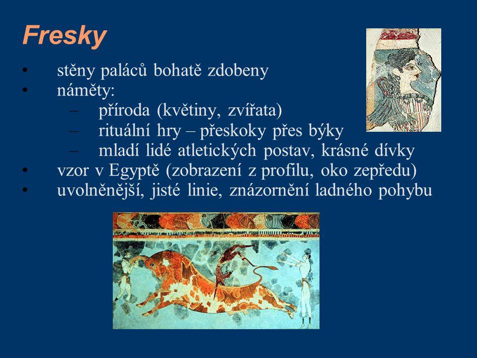 Fresky stěny paláců bohatě zdobeny náměty: příroda (květiny, zvířata)