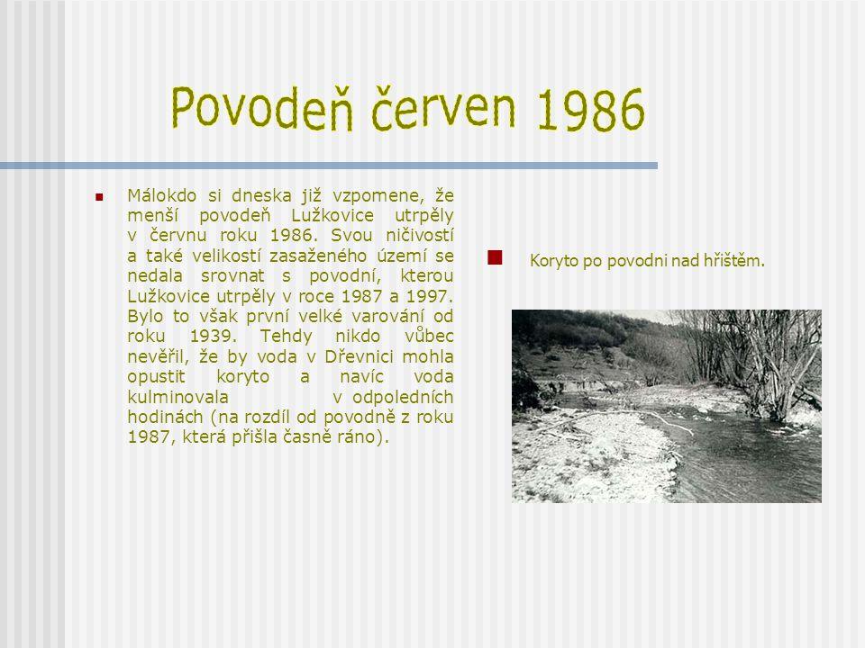 Povodeň červen 1986 Koryto po povodni nad hřištěm.