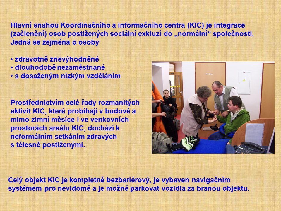 """Hlavní snahou Koordinačního a informačního centra (KIC) je integrace (začlenění) osob postižených sociální exkluzí do """"normální společnosti."""