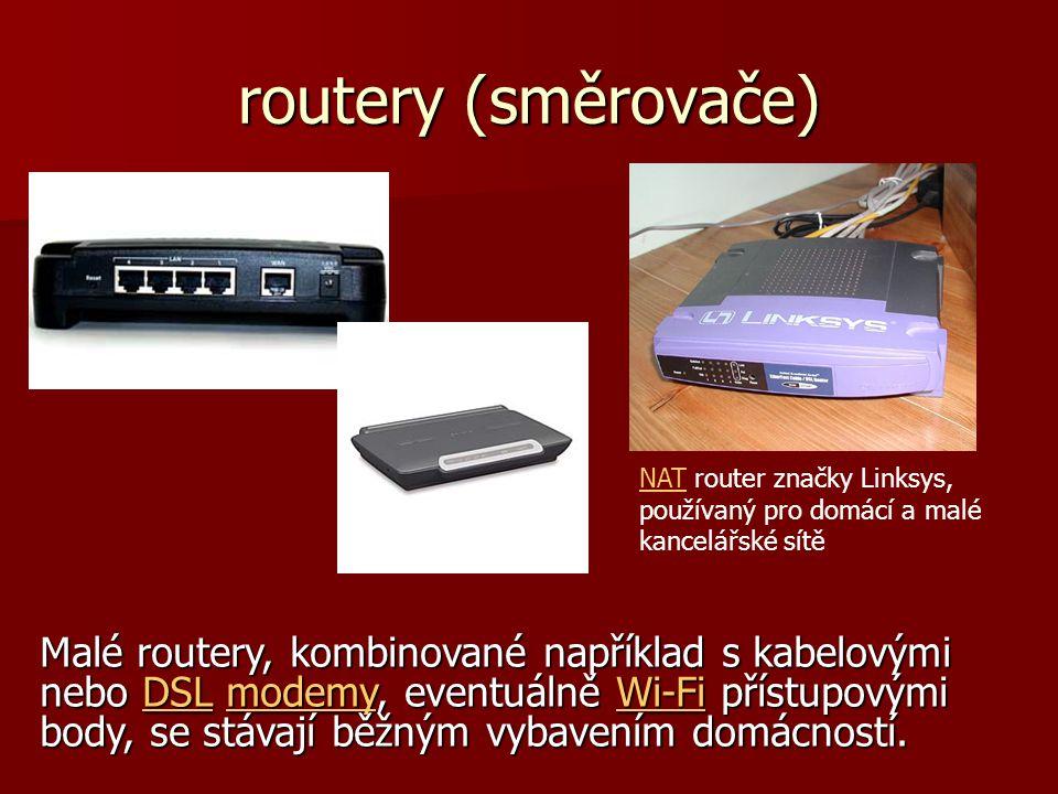 routery (směrovače) NAT router značky Linksys, používaný pro domácí a malé kancelářské sítě.