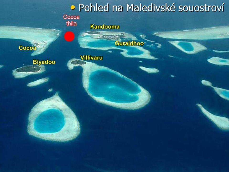 Pohled na Maledivské souostroví