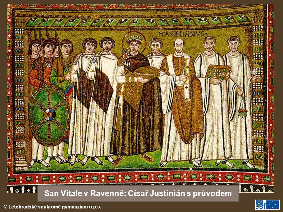 San Vitale v Ravenně: Císař Justinián s průvodem