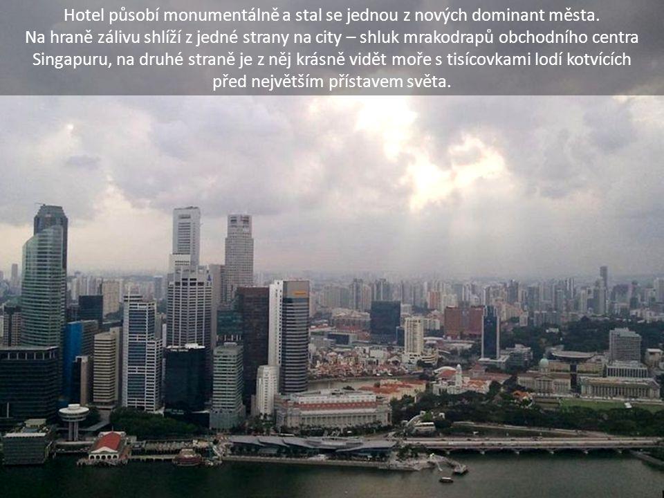 Hotel působí monumentálně a stal se jednou z nových dominant města.
