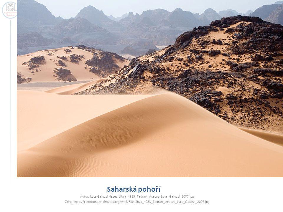 Saharská pohoří Autor: Luca Galuzzi Název: Libya_4983_Tadrart_Acacus_Luca_Galuzzi_2007.jpg.