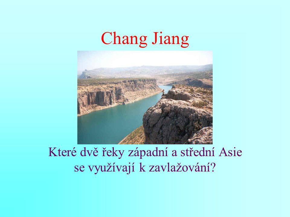 Které dvě řeky západní a střední Asie se využívají k zavlažování