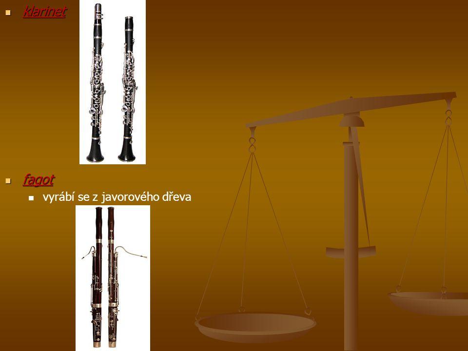 klarinet fagot vyrábí se z javorového dřeva