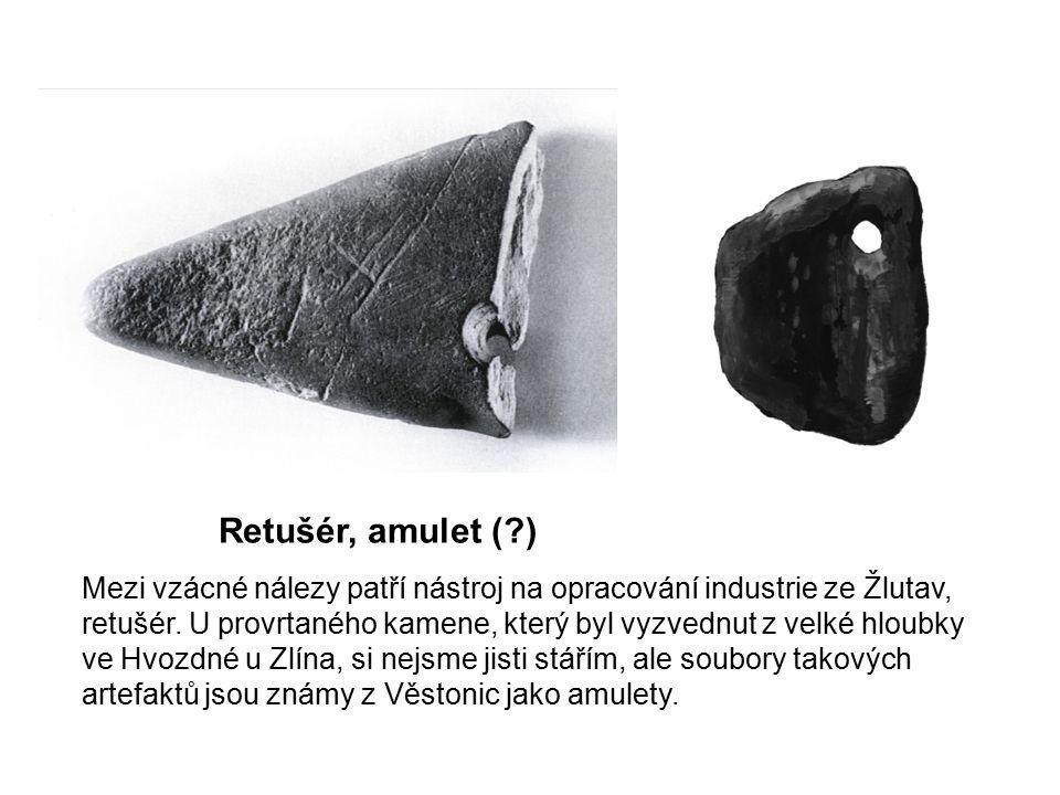 Retušér, amulet ( )
